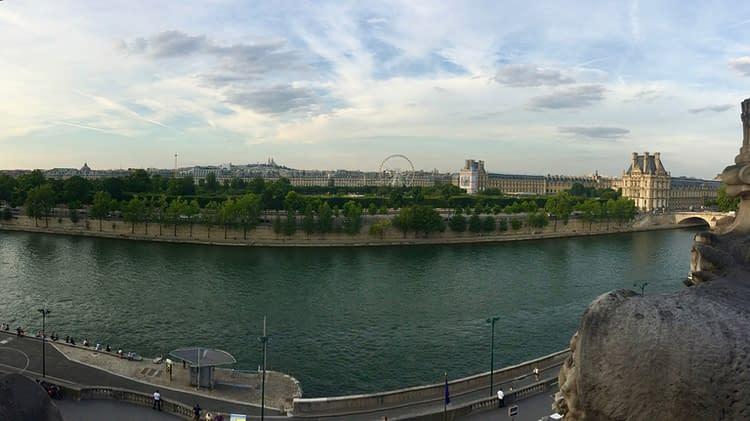 paris-seine-louvre
